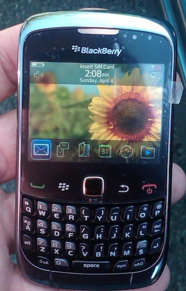 blackberry curve 93001 Blackberry Curve 9300 : photo et vidéo (prototype)