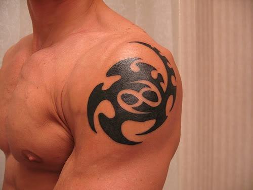 les plus beaux tatouages pour le signe cancer tattoo zodiac. Black Bedroom Furniture Sets. Home Design Ideas